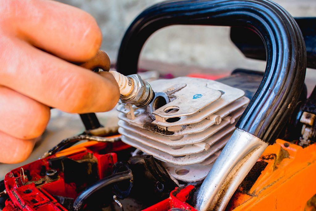 Carburettor - spark plug